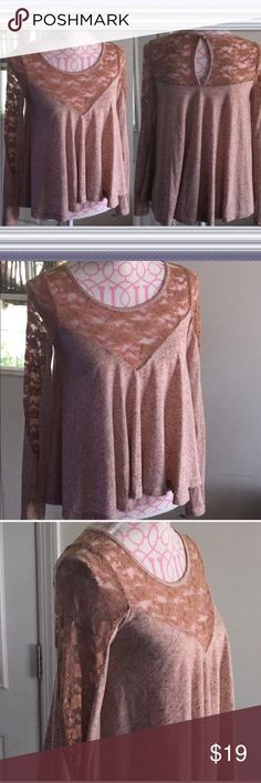 🎀3 For $30 Dusty Rose Lace Top Size Small Flowy top with lace around the chest, sleeves, & back. Back key hole closure.   EUC. No flaws.   Size small Kirra Tops Tees - Long Sleeve