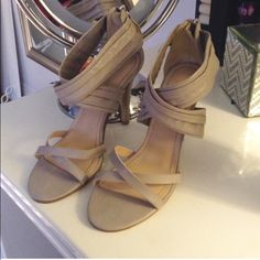 💠 Nine West Grey heels Gently worn, zipper back  👑 Welcome to my closet 😊 Reasonable OFFERS are welcomed  🎀 I do bundles  🚀 Fast Shipping ✨ Pet free home ♨️ Smoke free home 👍 Contact me before buying Ill change the price for discounted shipping 😊 🍭Thank you for visiting my closet! Nine West Shoes Heels