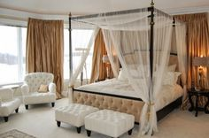 Dream Romantic Bedrooms With Canopy Beds