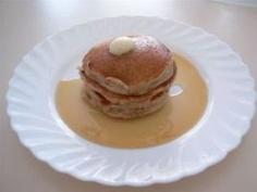 Gluten Free Breakfast: Cinnamon Applesauce Pancakes :)