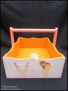 A cesta para os produtos de higiene.