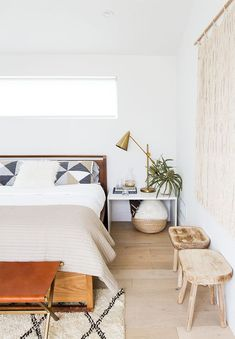 6 Vivid Cool Ideas: Minimalist Bedroom Interior Bedside Tables minimalist home exterior beverly hills.Minimalist Bedroom Wall Grey minimalist home design ideas.Minimalist Interior Home Window. Minimal Bedroom, Natural Home Decor, Home Decor Bedroom, Master Bedroom, Design Bedroom, Bedroom Ideas, Budget Bedroom, Bedroom Plants, Teen Bedroom