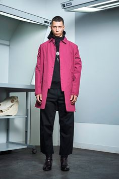Siki Im presented its Fall/Winter 2017 collection during New York Fashion Week Men's. Winter 2017, Fall Winter, Dope Jackets, Sustainable Looks, Cool Mustaches, Urban Fashion, Mens Fashion, Urban Cowboy, Student Fashion