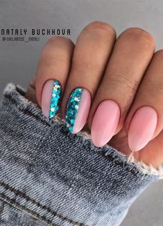 These gorgeous nail art designs are giving us all the manicure inspiration we need for our next manicure. We are obsessed with these fabulous nails from abstract, mix n match marble to ombre neon that guarantee they are not boring. Oval Shaped Nails, Oval Nails, Oval Nail Art, Fabulous Nails, Gorgeous Nails, Stylish Nails, Trendy Nails, Cute Acrylic Nails, Cute Nails
