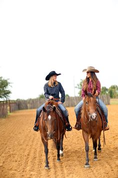 """""""No hour of life is wasted that is spent in the saddle"""" - Winston Churchill Cute Horse Pictures, Cowgirl Pictures, Horse Photos, Foto Cowgirl, Cowgirl And Horse, Horse Riding, Cute Horses, Horse Love, Beautiful Horses"""