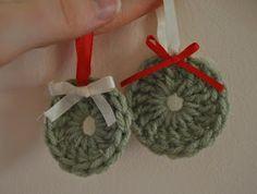 Young Homemakers: A Homemade Christmas 3 - Handmade Ornaments