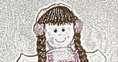 Olá!!!   Hoje vou mostrar o PAP de uma boneca de pano, que aprendi fazer para enfeitar o quartinho da minha filhinha!!! Só que na verdade,... Sewing Doll Clothes, Sewing Dolls, Rag Doll Tutorial, Doll Videos, Baby Doll Accessories, Fabric Dolls, Doll Patterns, Baby Dolls, Sewing Crafts