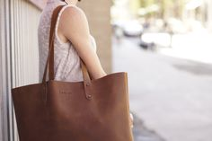 """@loveforty1 Simple Tote - """"This is an awesome bag. I can fit so much stuff in here, including my laptop or some books. I'm usually carrying around an obnoxious amount of stuff and this bag can fit it all without making me *feel* like I'm carrying around an obnoxious amount of stuff. Also the color is amazing."""""""