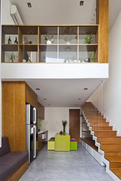 MM++ architects completes micro townhouse in vietnam Modern Spaces, Small Spaces, Narrow House, House Stairs, Tiny House Design, Small Apartments, House Colors, Townhouse, Vietnam