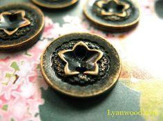10 Exquisite Copper Carve Pentagon Flower 2 hole buttons, 0.51 inch Star Buttons, Vintage Buttons, Brass Color, Antique Brass, Rings For Men, Carving, Pentagon, Stars, Antiques