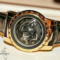 This seriously hot Ulysse Nardin Freak Phantom, which integrates a one-minute tourbillon in the Freak's signature carrousel movement. Cool Watches, Watches For Men, Gentleman Style, Luxury Watches, Luxury Lifestyle, Luxury Branding, Fine Jewelry, Fancy, Mens Fashion