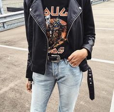 How to wear an affordable faux leather jacket in the spring? - MUST U LOOK Street Chic, Spring Street Style, Street Fashion, Edgy Style, Mode Style, Grunge Style, Look Skater, Black Faux Leather Jacket, Facon
