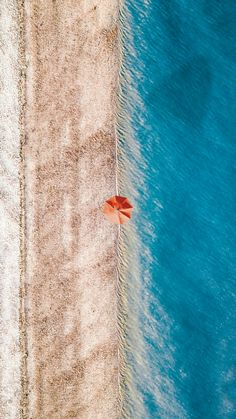 I like the simplicity of this photo and how the boarder between the sand and the water is making a line. Panoramic Photography, Aerial Photography, Nature Photography, Photography Composition, Photography Ideas, Beach Photos, Cool Photos, Birds Eye View, Landscape Photographers