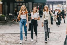 Collage Vintage, Girls Time, Ny Fashion Week, Cool Street Fashion, Street Style Looks, Outfit Goals, Passion For Fashion, Mom Jeans, Street Wear