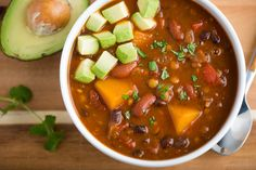 Recipe: Slow-Cooker Vegan Lentil Chili Yes, it's the easiest chili you'll ever make, thanks to the p Slow Cooker Chili, Slow Cooker Lentils, Vegan Slow Cooker, Slow Cooker Recipes, Crockpot Meals, Meat Meals, Freezer Meals, Slow Cooking, Italian Cooking