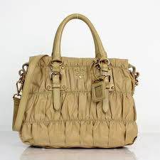 Online fashion Prada Handbags Outlet Strore with big discount,free business days delivery,Buy Prada bags there,get quality guaranteed. Prada Outlet, Prada Tote Bag, Prada Handbags, Beige Color, Designer Handbags, Fashion Online, Shopping, Leather Bags, Delivery