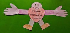 Forgive one another Bible craft - Free template included. The unforgiving servant parable craft for kids. Preschool Bible Lessons, Bible Lessons For Kids, Free Bible Coloring Pages, Colouring Pages, New Testament Bible, Paper Balls, Craft Free, Bible Crafts, Old Paper