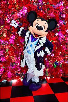 'Imagining the Magic' at Tokyo Disneyland! Disney Fan, Disney Time, Disney Dream, Disney Parks, Walt Disney, Disney Characters Costumes, Disney World Characters, Mickey Mouse Images, Mickey Minnie Mouse