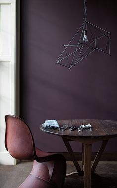 Gallery – See the transformative paint high-end designers love l Benjamin Moore Century In this sitting room, a contemporary pendant hovers over a well-worn wooden table and distressed leather chair. Dark Purple Walls, Plum Walls, Purple Rooms, Dark Purple Bedrooms, Purple Wall Paint, Deep Purple, Purple Interior, Interior Paint, Brown Interior