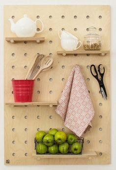 panneau perforé modulable pour petite cuisine