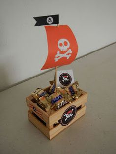 Idea for kids' table centerpieces. Add balloons to center Pirate Day, Pirate Birthday, Pirate Theme, Pirate Party Favors, Peter Pan Party, Pirate Centerpiece, Table Centerpieces, Ocean Party, 4th Birthday Parties