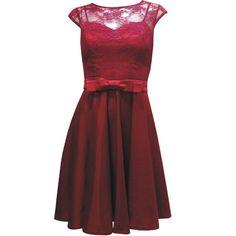 Vestido de Decote Coração com Blusa Sobreposta de Renda e Botões nas Costas. R$340.00