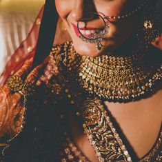 bridal jewelry for the radiant bride Stylish Jewelry, Fashion Jewelry, Bridal Poses, Wedding Photography Packages, Best Wedding Photographers, Bridal Outfits, Indian Jewelry, Colored Diamonds, Bridal Style