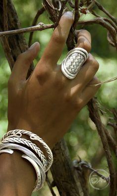 # Braids africaines rose Women Diamond Chevron Ring Eternity Band Deco V Shaped Matching Minimalist Bridal Anniversary Milgrain Curved Wedding Band White Gold - Fine Jewelry Ideas Turquoise Jewelry, Boho Jewelry, Jewelry Accessories, Jewelry Necklaces, Women Jewelry, Bracelets, Chunky Necklaces, Jewelry Ideas, Fine Jewelry