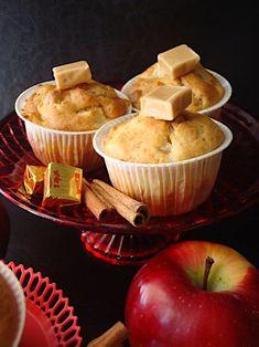 Κεκάκια μήλου με καραμέλες γάλακτος - Miss Tasty Sweets Recipes, Egg Recipes, Cooking Recipes, Desserts, Muffins, Cupcakes, Apple Pies, Baking, Breakfast