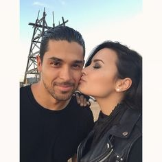 """Awww, Demi Lovato and her boyfriend Wilmer Valderrama are working together on """"From Dusk til Dawn""""!"""