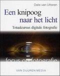 Dit boek bespreekt alle facetten van de digitale fotografie die belangrijk zijn voor een goede manier...