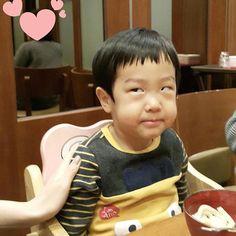""" Look hihi Superman Meme, Superman Kids, Cute Asian Babies, Cute Babies, Twins Meme, Song Triplets, Japanese Kids, Baby Tumblr, Funny Memes About Life"