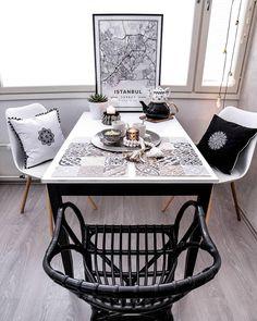 Elegant Die Stühle Max Von JELLAu0026amp;JORG Passen Mit Ihrem Erfrischendes Design  Perfekt In Das Helle