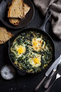 Creamed spinach, breakfast recipes, dinner recipes, egg recipes, cooking re Leek Recipes, Diner Recipes, Cooking Recipes, Healthy Recipes, Snacks Recipes, Cheese Recipes, Recipes Dinner, Breakfast For Dinner, Breakfast Recipes
