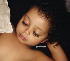 I wish my eyelashes was dis long Beautiful Black Babies, Beautiful Children, Beautiful Eyes, Kids Fever, Baby Fever, Longer Eyelashes, Long Lashes, Cute Kids, Cute Babies