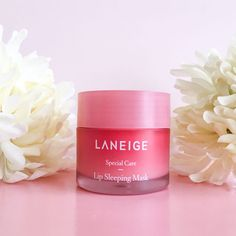 The Laneige Lip Sleeping Mask Is Our New Secret to Soft Lips Natural Blush, Natural Beauty Tips, Natural Skin, Hot Pink Lipsticks, Matte Lipstick, Liquid Lipstick, Eyeliner, Lip Sleeping Mask, Pink Lip Gloss