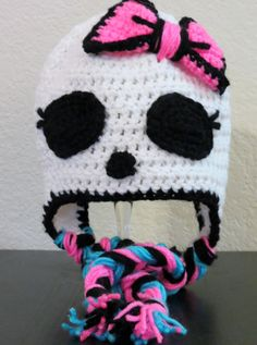 Monster high crochet hat. This wouldn't be hard to do