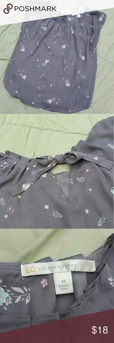 Lauren Conrad Gray Floral Blouse Light, flowy blouse with a subtle floral design. Lauren Conrad Tops Blouses
