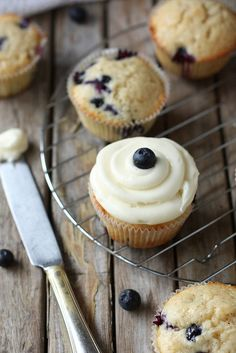 Super Moist Blueberry Cupcakes With Cream Cheese Frosting | Better Baking Bible