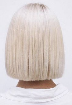 flawless platinum blonde bob … - All For Hair Cutes Platinum Blonde Bobs, Brown Blonde Hair, Blunt Blonde Bob, White Blonde Bob, Blunt Bob, Short Platinum Hair, Platinum Bob, Ice Blonde, Blonder Bob