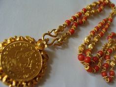 Corals with lakshmi Gold Necklace Simple, Gold Jewelry Simple, Coral Jewelry, Bridal Jewelry, Beaded Jewelry, Small Necklace, India Jewelry, Gold Mangalsutra Designs, Gold Earrings Designs