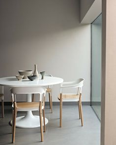 Beautiful muted palette in this dining room. Love the round dining home design decorating design design design ideas Room Inspiration, Interior Inspiration, Design Inspiration, Furniture Inspiration, Furniture Ideas, Interior Pastel, Simple Interior, Deco Pastel, Pastel Decor