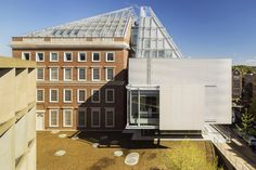 renzo piano unites harvard art museums with glazed rooftop structure - designboom | architecture