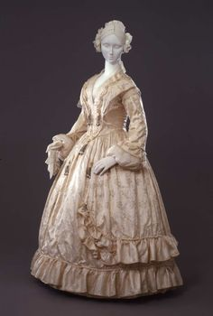 Dress ca. 1842-45From the Galleria del Costume di Palazzo Pitti...