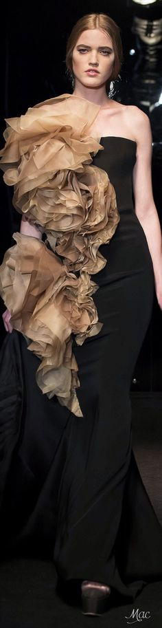 Gryomitra  Brunnea UnderW. morels growing out of this dress!  Spring 2016 Haute Couture Stephane Rolland jαɢlαdy
