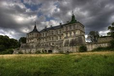 """Russian castle - """"Ukranian Versailles"""", dates to century. Abandoned during WWII, turned into a tuberculosis clinic. All but the walls remain after a fire destroyed the castle Abandoned Buildings, Abandoned Property, Abandoned Castles, Abandoned Mansions, Old Buildings, Abandoned Places, Ukraine, Mansion Homes, Beautiful Castles"""