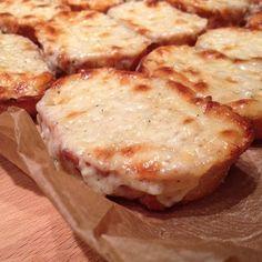 Greenway36 - der Foodblog mit #pillefüße: Käse-Knofi-Baguette