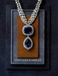 Van Cleef & Arpels 1964 sapphire and diamond necklace. Sapphire Jewelry, Diamond Jewelry, Gold Jewelry, Vintage Jewelry, Jewelry Necklaces, Fine Jewelry, Sapphire Necklace, Diamond Pendant, Diamond Choker
