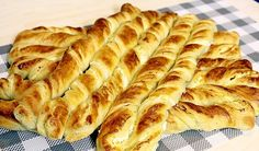 Amandines with roasted fruits - Healthy Food Mom Albanian Recipes, Bosnian Recipes, Croatian Recipes, Albanian Food, Serbian Food, Kitchen Recipes, Wine Recipes, Gourmet Recipes, Bread Recipes