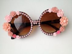 aa8e248133698 17 Lovely Examples Of Embellished Sunglasses